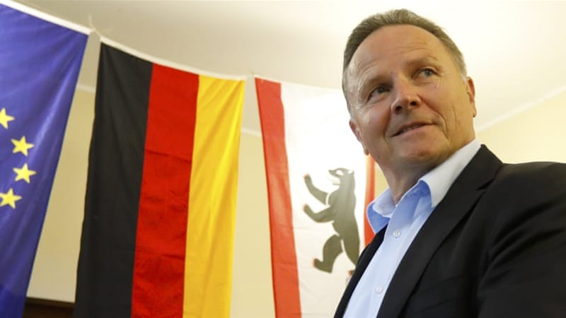 Alternative for Germany (AfD) candidate Georg Pazderski casts his vote [Fabrizio Bensch/Reuters]