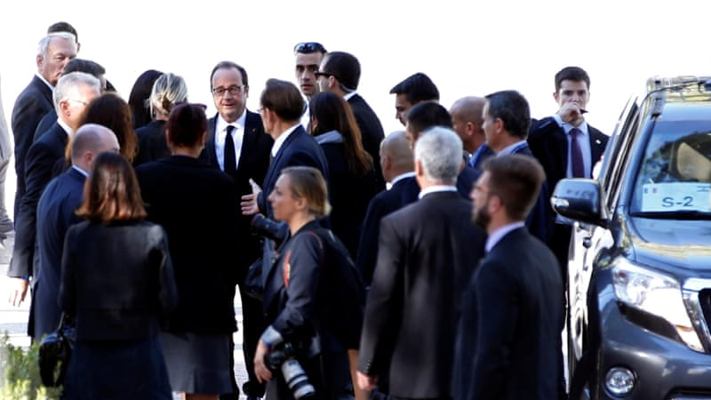 French President Francois Hollande is seen upon his arrival to Mount Herzl Cemetery to attend Peres' funeral [Ronen Zvulun/Reuters]