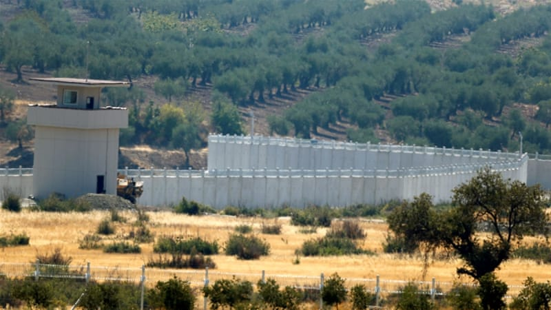 A wall along the border between Turkey and Syria near the southeastern town of Deliosman in Kilis province, Turkey [REUTERS]