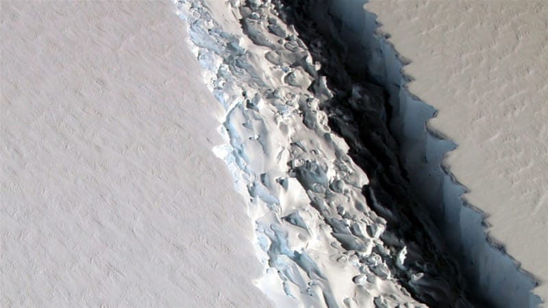 Giant iceberg poised to break off Antarctic ice shelf