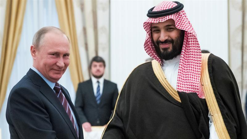 A 10 to 20 year deal between Russia and Saudi Arabia would be unprecedented [Pavel Golovkin/Reuters]