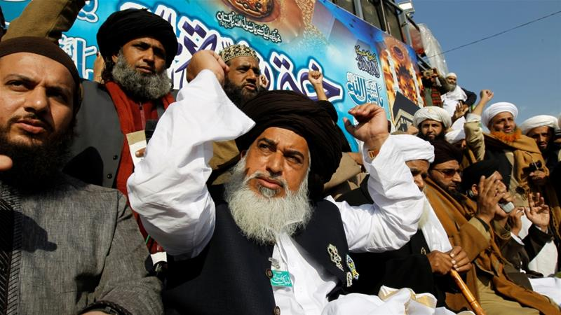 Pakistan protests: How powerful are religious groups?