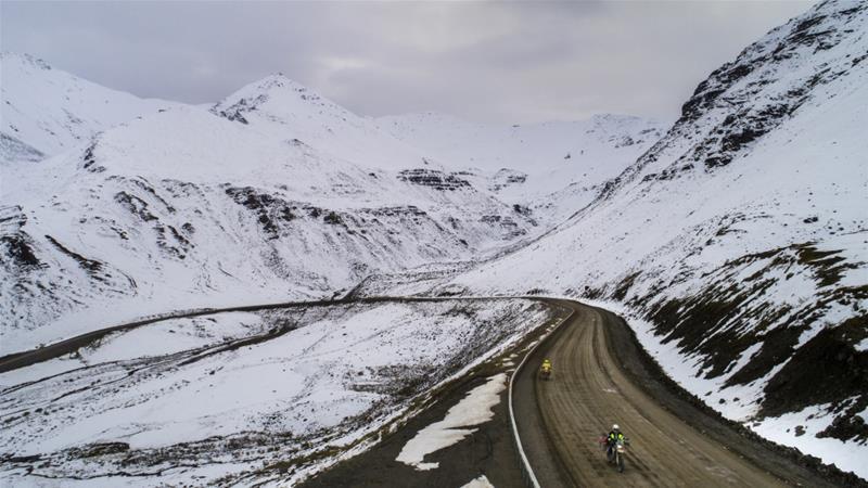 Warm air continues to carry unfamiliar threats in Alaska [EPA]