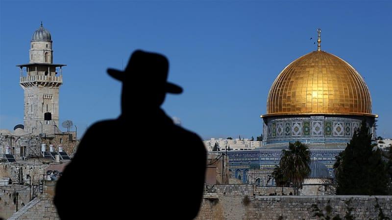 El sello de aprobación de Trump para la toma de posesión de Jerusalén por parte de Israel probablemente intensifique el simbolismo religioso de la ciudad para los judíos, y la importancia de la soberanía israelí sobre el complejo de la mezquita al-Aqsa [Ronny Hartmann / Photothek via Getty Images]