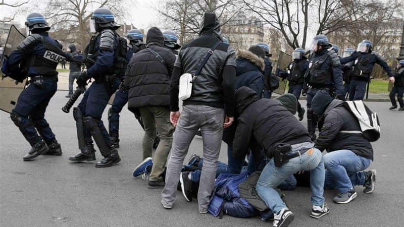 paris arrests as youths protest against police abuse france news al jazeera. Black Bedroom Furniture Sets. Home Design Ideas