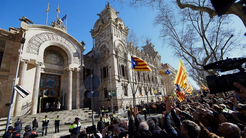 Thousands Rally at Spain's Catalonia Court Amid Trial Over Independence Vote