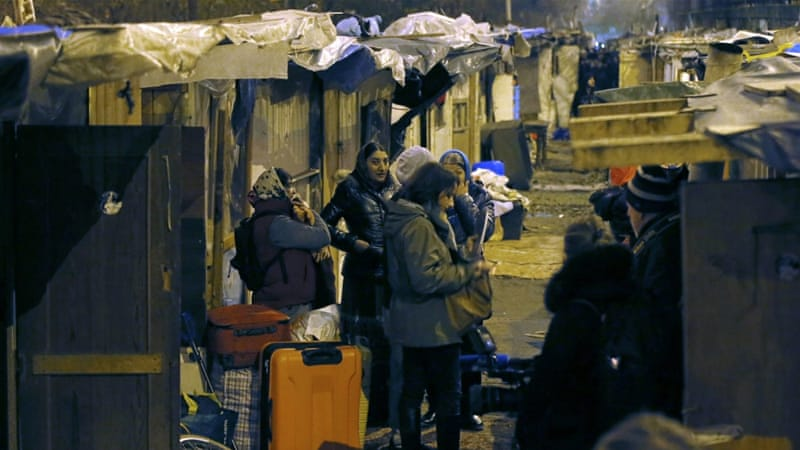 Thousands of Roma 'made homeless' in France in 2016