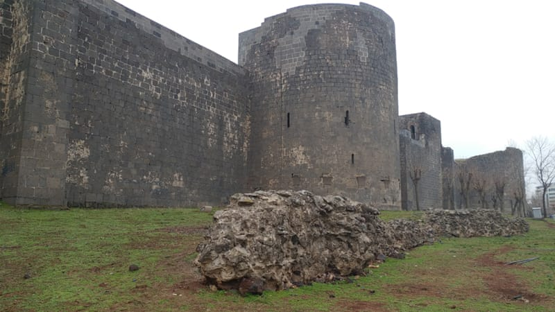 Sur's 5.5km ancient wall still standing ''tall and strong'' on a rainy day [Mariya Petkova/Al Jazeera]