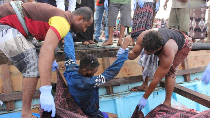 More than 30 refugees killed in helicopter attack on boat in Yemen