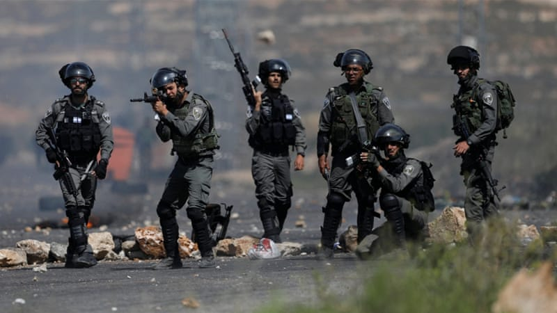Writer and 13 other Palestinians arrested by