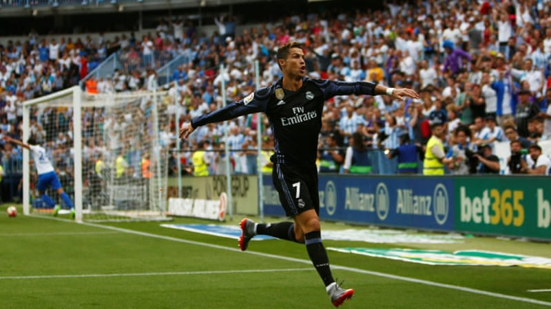 Ronaldo, Benzema hand Real league title