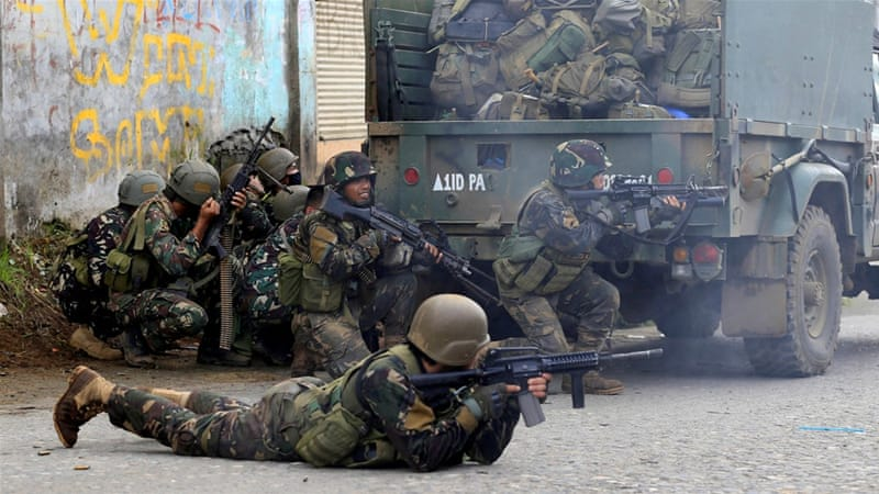 Mindanao: Air raids target fighters holed up in Marawi
