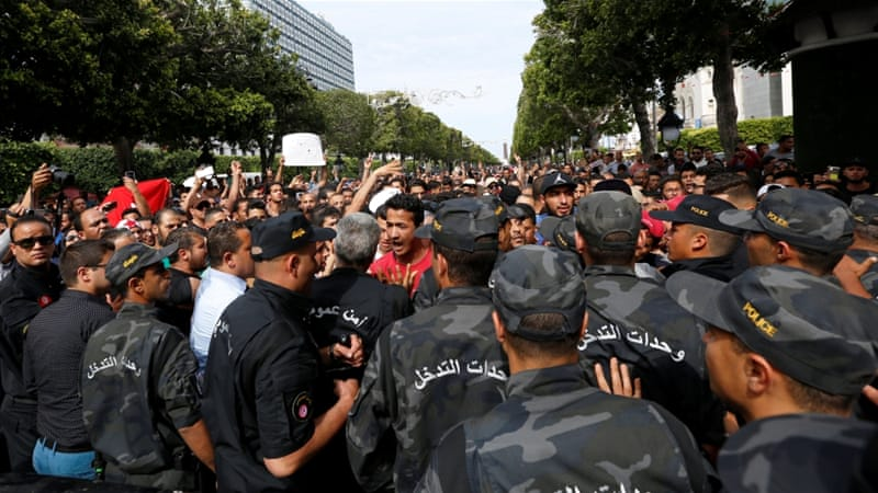 Tunisian businessmen arrested in 'war on corruption'