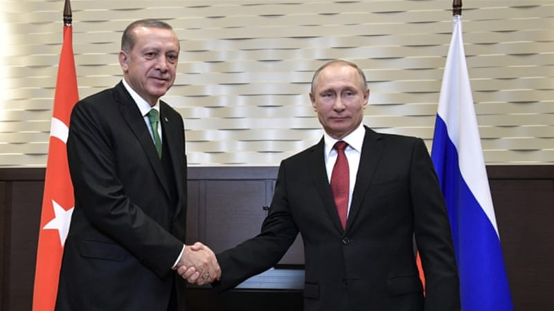 Russian President Vladimir Putin, right, with Turkish President Recep Tayyip Erdogan [Alexey Nikolsky/EPA]