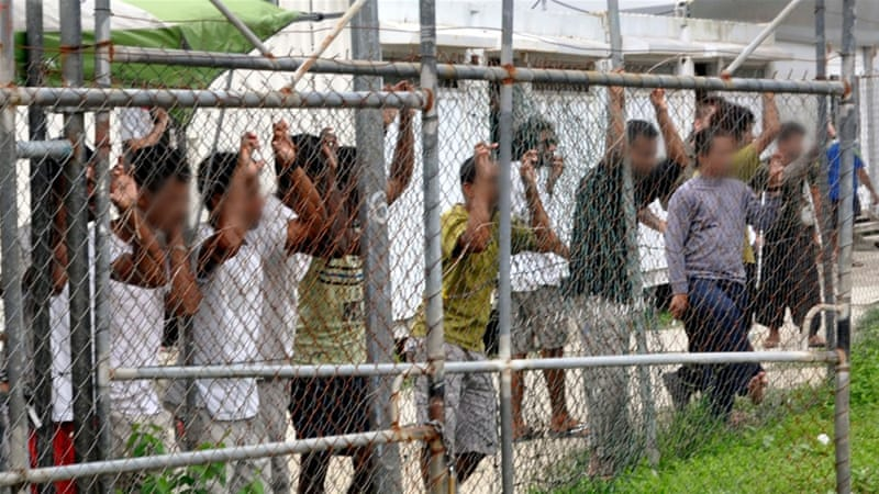 Asylum seekers leave Manus for US""