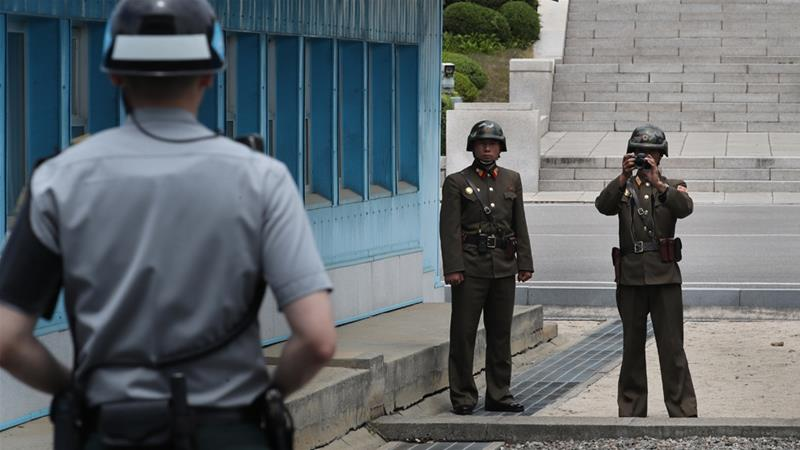 S Korea urges N Korea to accept military talks offer