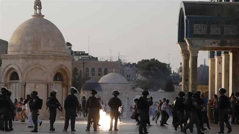 Palestinians met with tear gas upon return to al-Aqsa