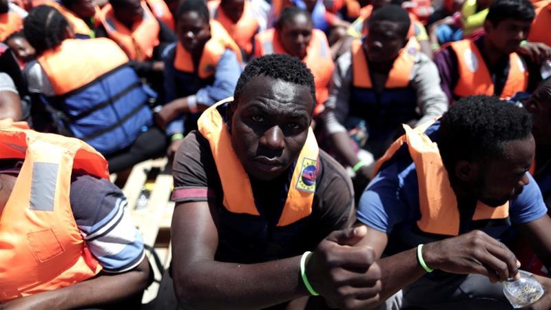 """Résultat de recherche d'images pour """"Italy, France, Migrants"""""""