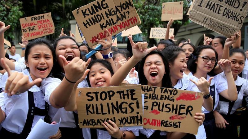 Philippine police kill 21 in overnight anti-drug raids