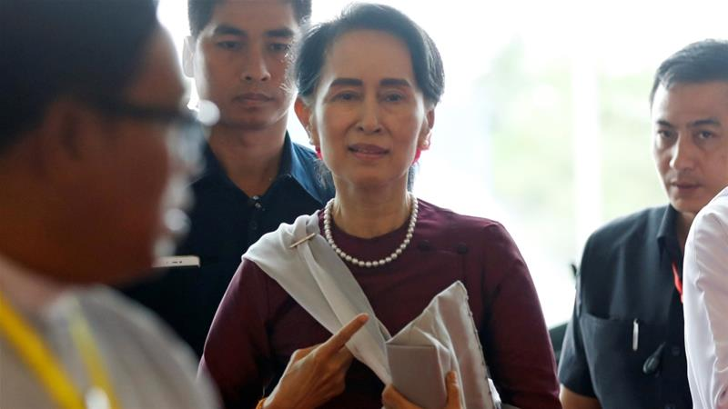 Suu Kyi 'burying head in sand' over Rohingya crisis