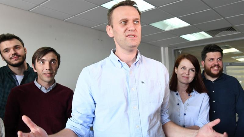 Navalny arrested again as Kremlin attempts to crush opposition