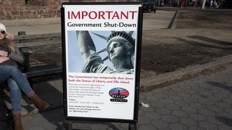The shutdown will affect hundreds of thousands government employees and halt key federal services [Mark Lennihan/AP Photo]