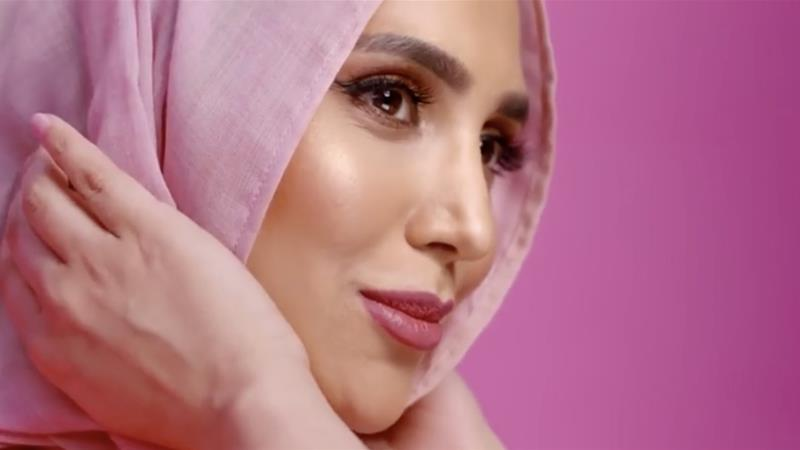 Amena Khan posted tweets critical of Israel's war in Gaza [L'Oreal promotional material]