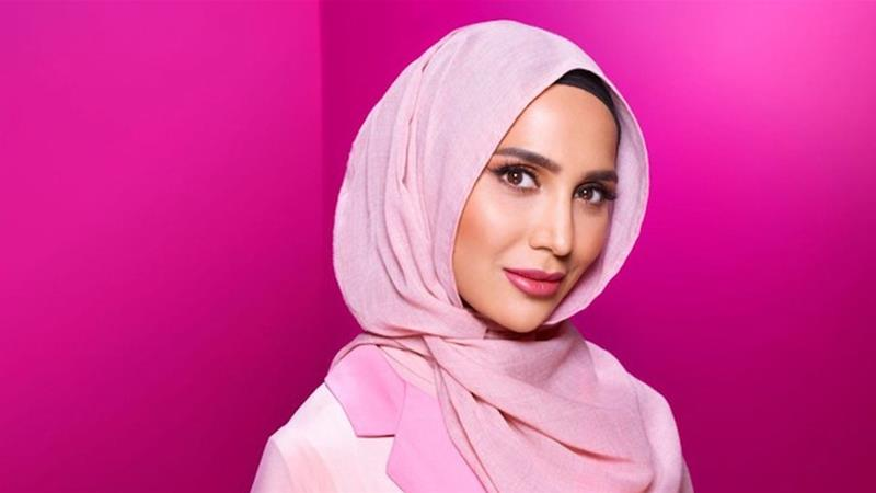 Amena Khan stepped down from a L'Oreal campaign after right-wing media outlets published her tweets from 2014, in which she criticised Israel's war in Gaza [L'Oreal promotional material]