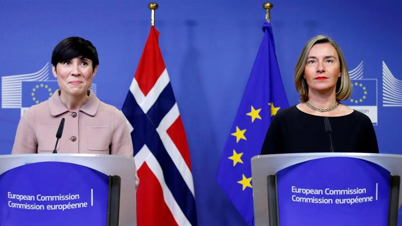 Norway's FM Ine Marie Eriksen Soreide and Federica Mogherini at the International Donor Group for Palestine at the EU Commission Brussels [Francois Lenoir/Reuters]