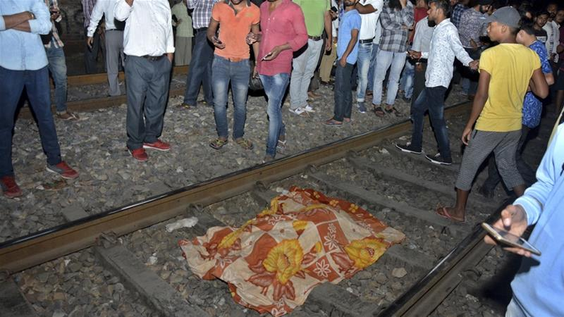 Angry mob pelts stones at police at site of Indian rail accident
