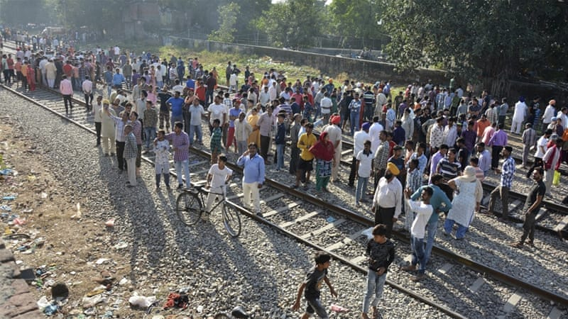 Indians protest after train accident kills dozens
