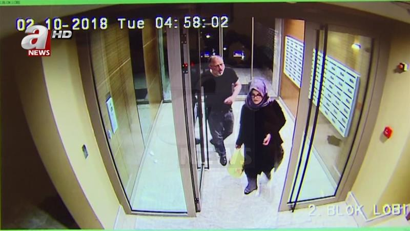 Hatice Cengiz (right) said she found herself in a darkness she cannot express after Jamal Khashoggi's (left) disappearance and killing [A News via AP]