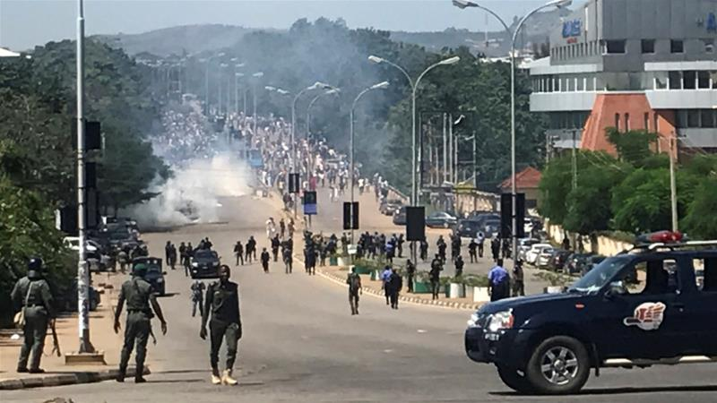 Nigerian police 'open fire' at Shia protesters amid Abuja clashes