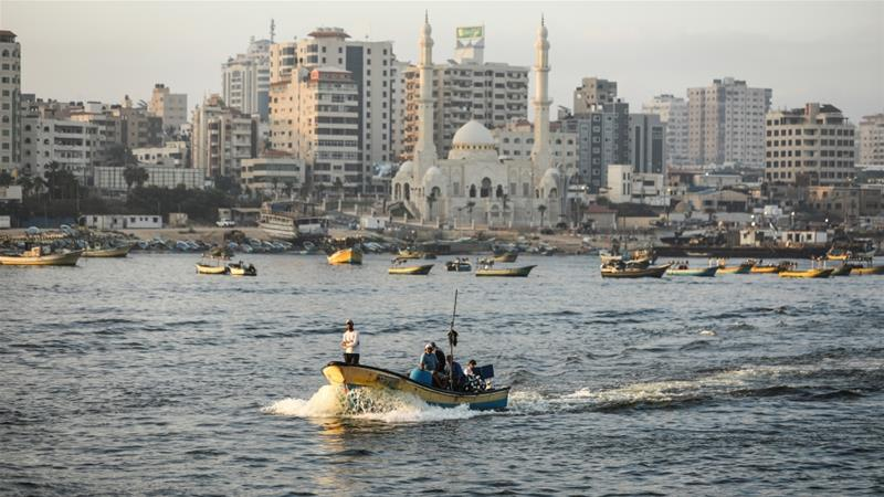 Under the Oslo Accords, fishermen are supposed to operate up to 20 nautical miles off the Gaza coast [File: Anadolu Agency]