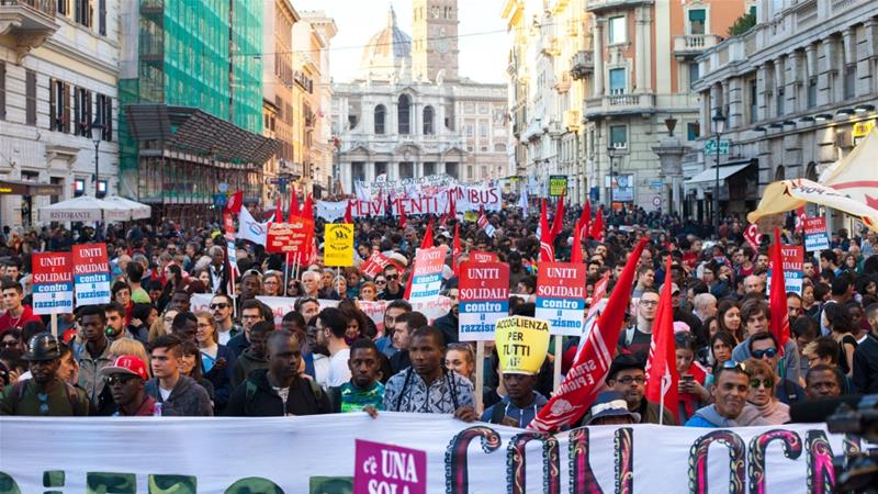 People from towns across Italy took part in the demonstration [Ylenia Gostoli/Al Jazeera]