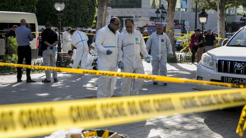 A suicide bombing rocked the main avenue in central Tunis on October 29, injuring 20 people [Riadh Dridi/AP]