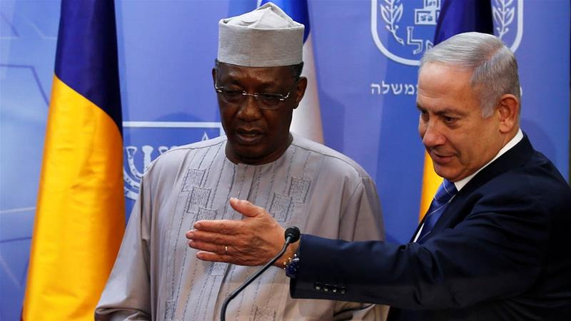 Benjamin Netanyahu (R) and Idriss Deby as they deliver a joint statement in Jerusalem [Ronen Zvulun/Reuters]