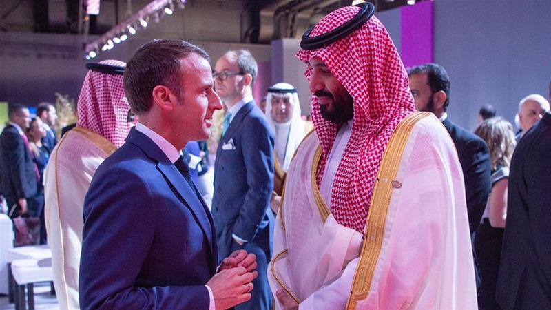 MBS and Macron met at the sidelines of the G20 summit in Argentina [Saudi Foreign Ministry via Twitter]-