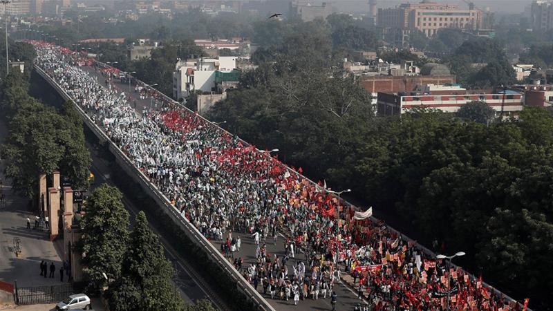 Angry India farmers march on parliament to highlight farm crisis