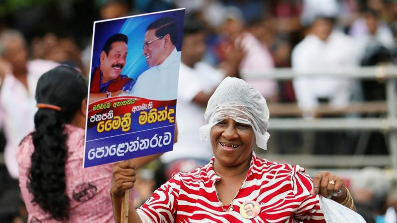 Thousands rally in support of Mahinda Rajapaksa in Colombo