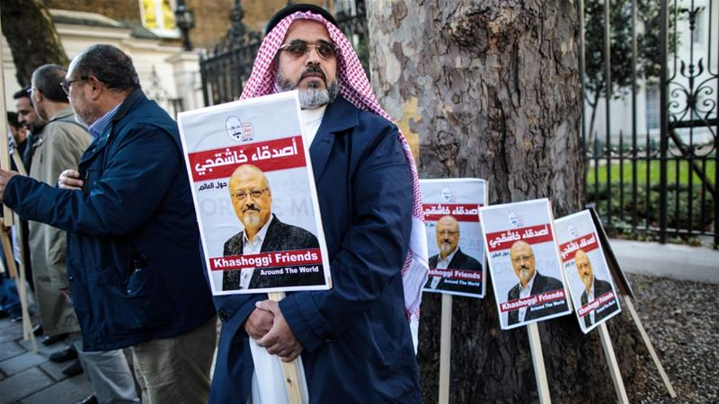 Protesters demonstrate against the killing of journalist Jamal Khashoggi outside the Saudi Embassy in London [File: Getty Images]