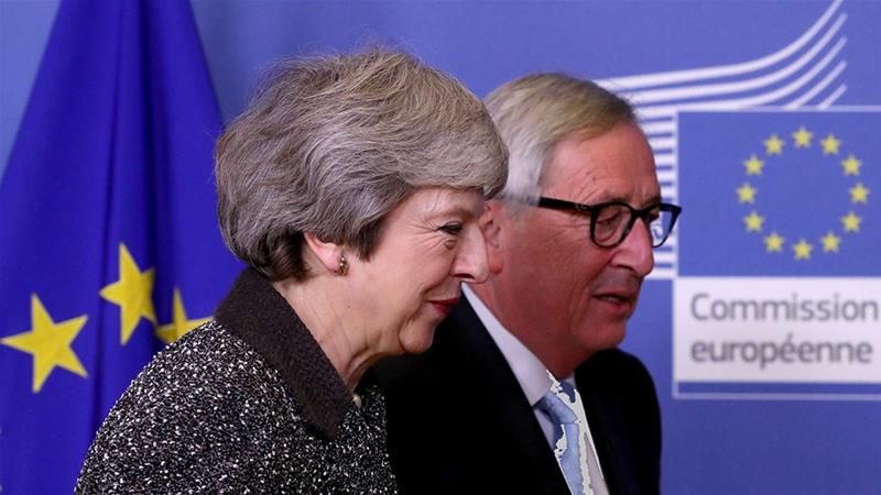 British Prime Minister Theresa May meets with European Commission President Jean-Claude Juncker to discuss Brexit [Yves Herman/Reuters]
