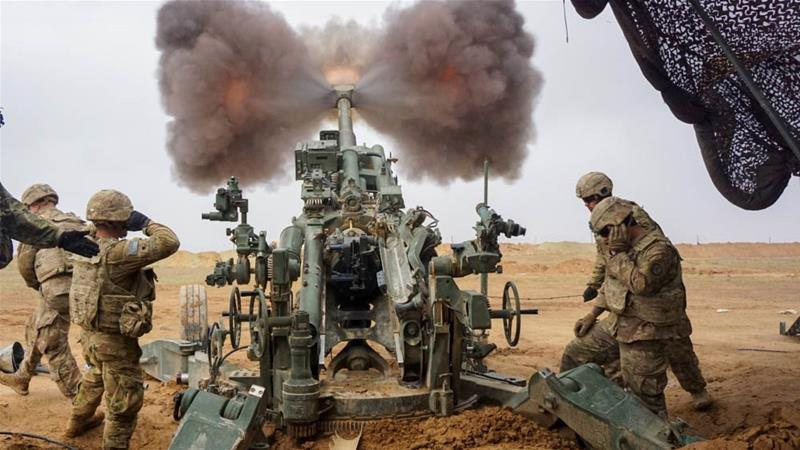 US soldiers fire a M777 Howitzer on Firebase Saham in Iraq [File: Jason Welch/DVIDS]