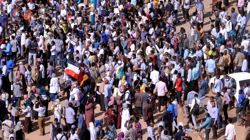 Hundreds of worshippers emerged from the mosque in Khartoum's twin city of Omdurman following Friday prayers [Reuters]