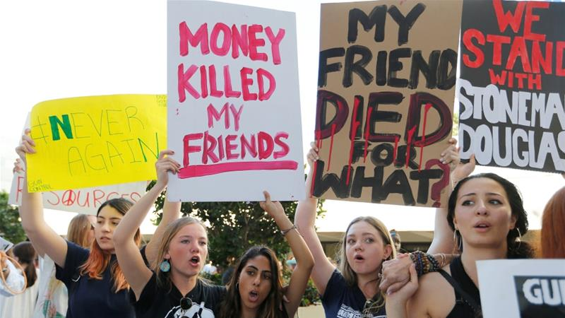 US: School shooting survivors demand stricter gun laws