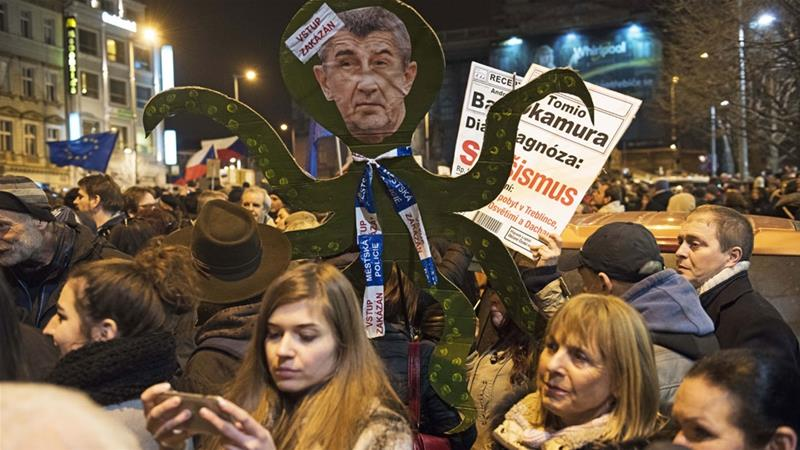 Anti-Zeman protesters gathered in Prague's Wenceslas Square [Philip Heijmans/Al Jazeera]