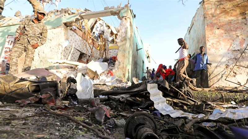 Car-bomb explodes near Somalia's parliament