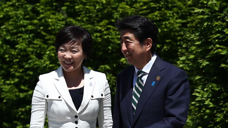Japan's Prime Minister Shinzo Abe and his wife Akie Abe on June 7, 2015 near Garmisch-Partenkirchen, Germany. [Carl Court/Getty Images]
