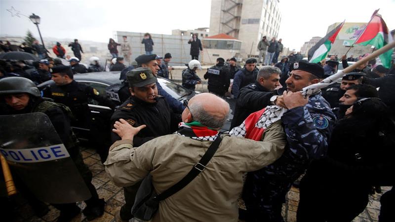 'Political detention deepens unreasonable disputes' said Hasan Khreisheh, member of Palestinian Legislative Council [File: Reuters]