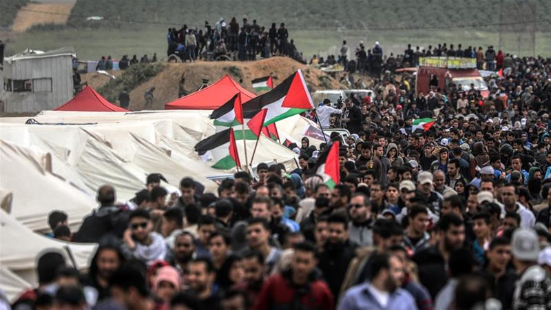 Thousands of Palestinians demonstrated on the eastern border of Gaza with Israel [Hosam Salem/Al Jazeera]